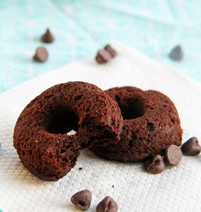 FLUFFY CHOCOLATE DONUTS 3