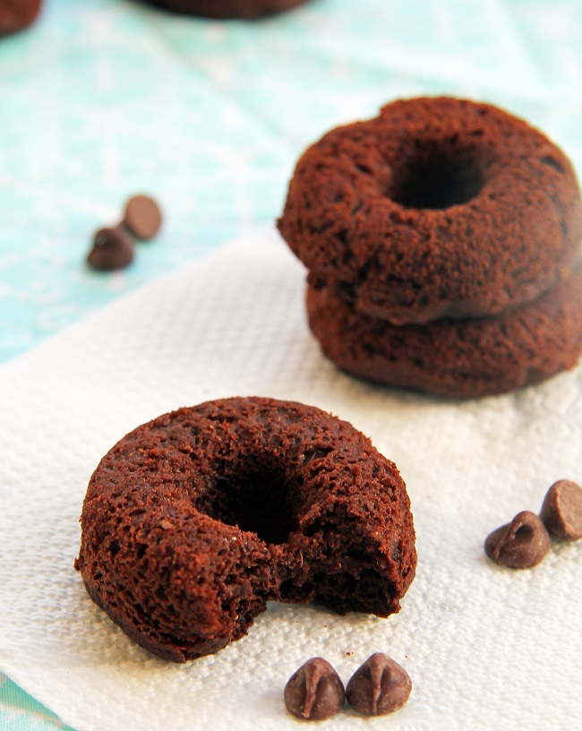 FLUFFY CHOCOLATE DONUTS 4